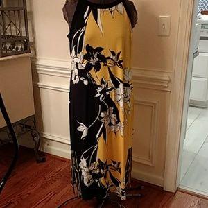 T Tahari Maxi Dress Size XL  Yellow/Black/White